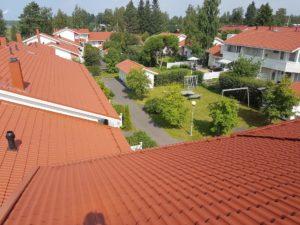 Luhtitalojen katon maalaus